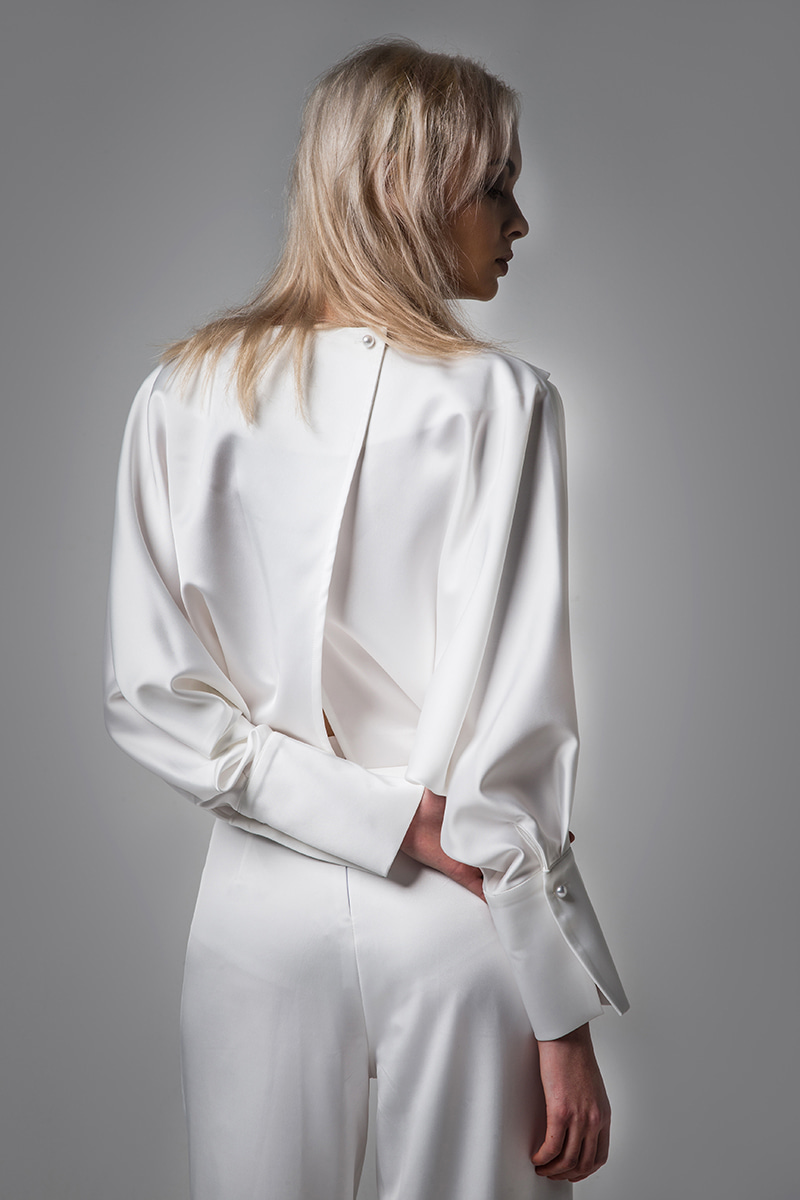 joosooloo > SOFT SILKY WHITE JUMPSUIT(WHITE)